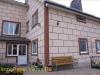 фото дома, фасад защищен панелями с мраморной крошкой 05